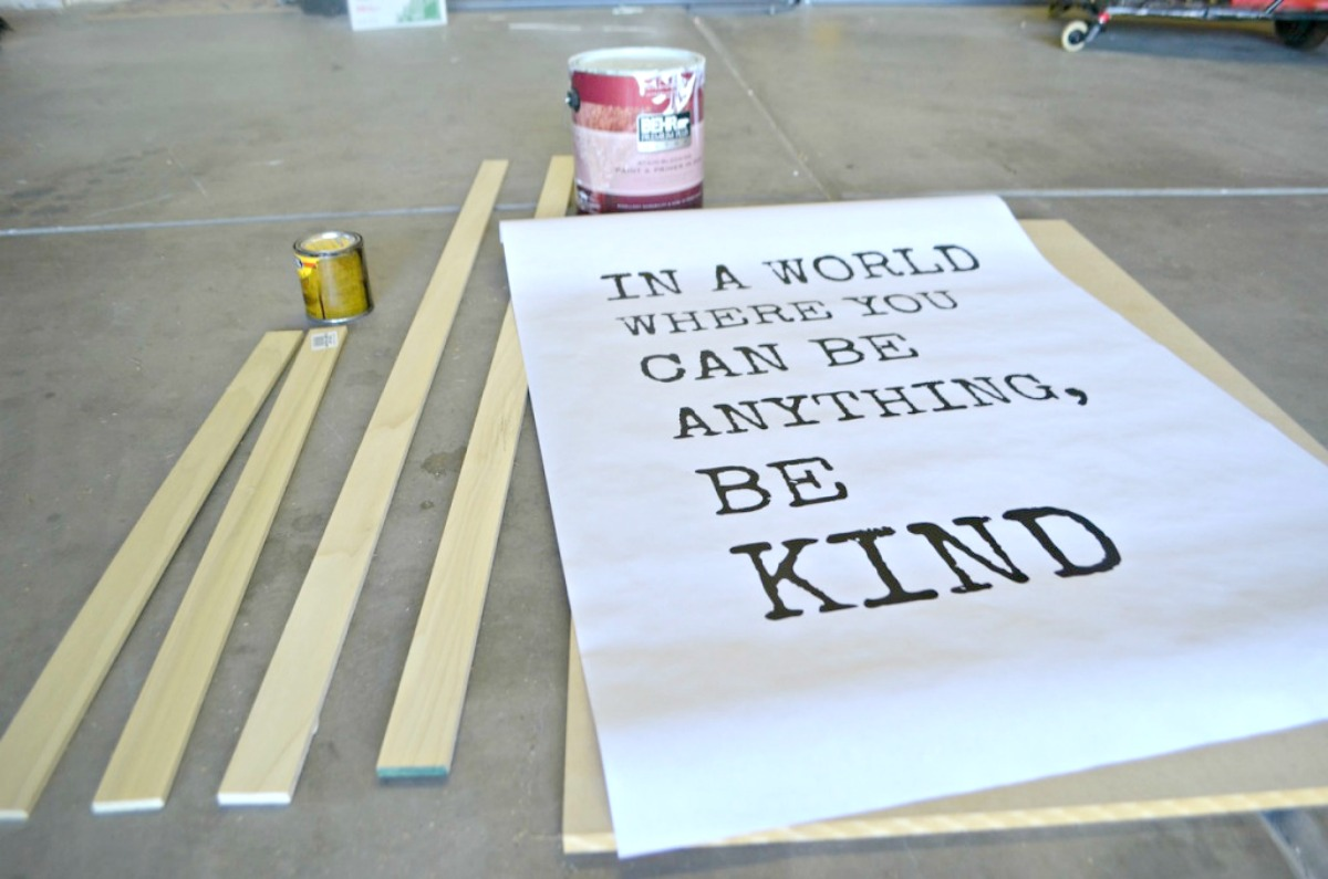 """paper that reads """"in a world where you can be anything, be kind"""""""