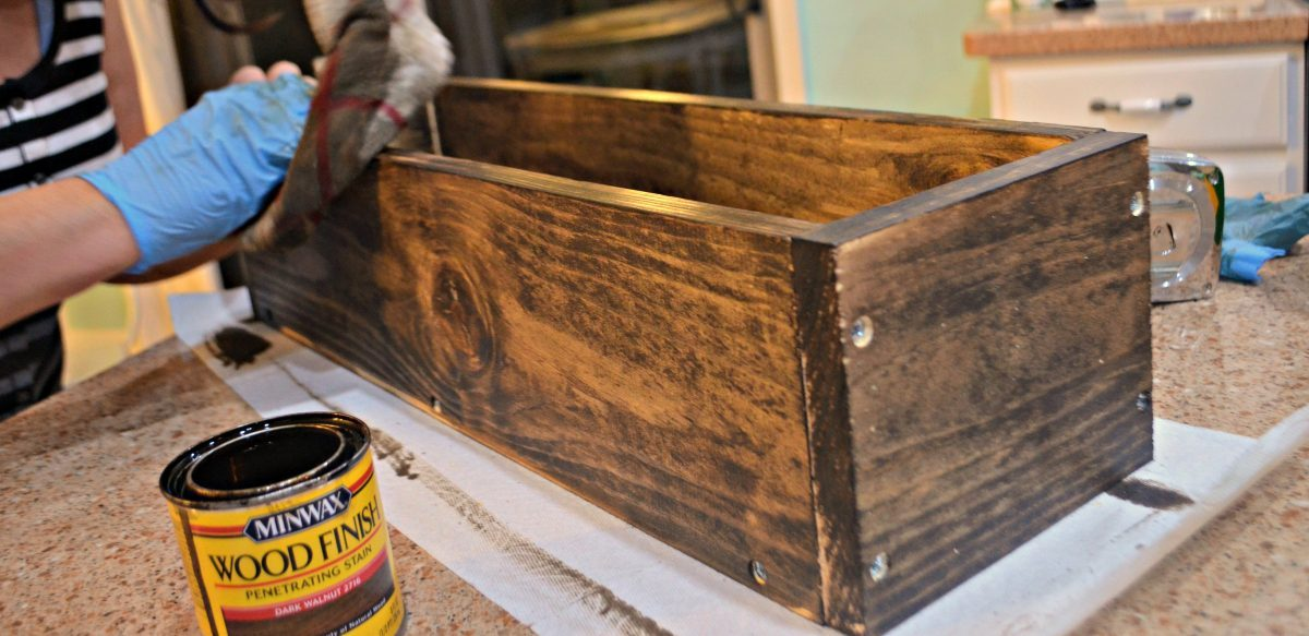 staining a wood box centerpiece