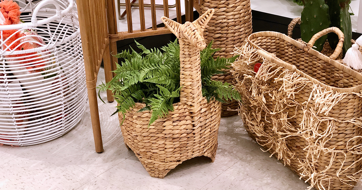 llama shaped basket with fern inside