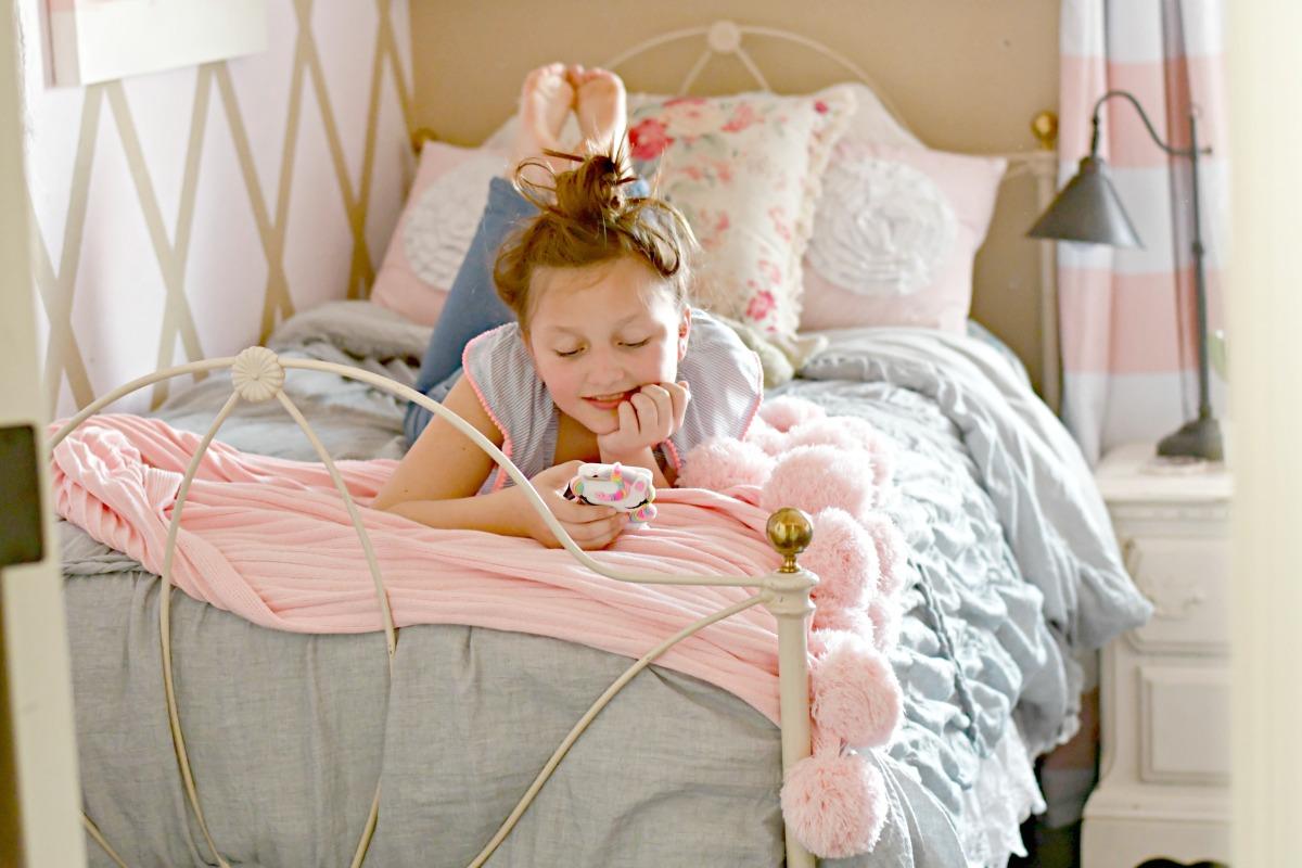 pink and gray tween bedroom makeover