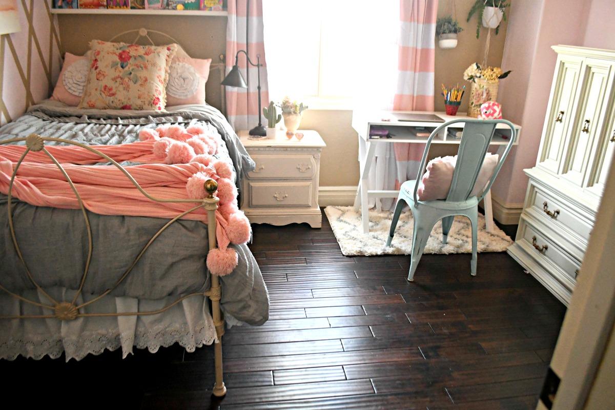 tween room makeover pink and beige