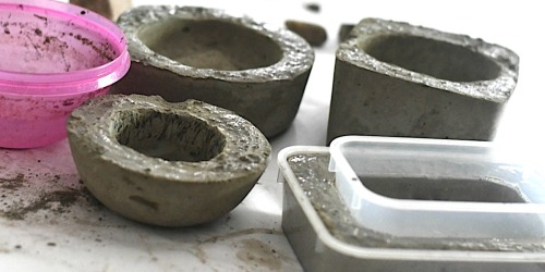 These Beautiful DIY Concrete Planters Cost Less Than a DOLLAR to Make!