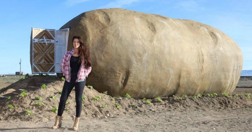 Giant Potato Hotel in Idaho