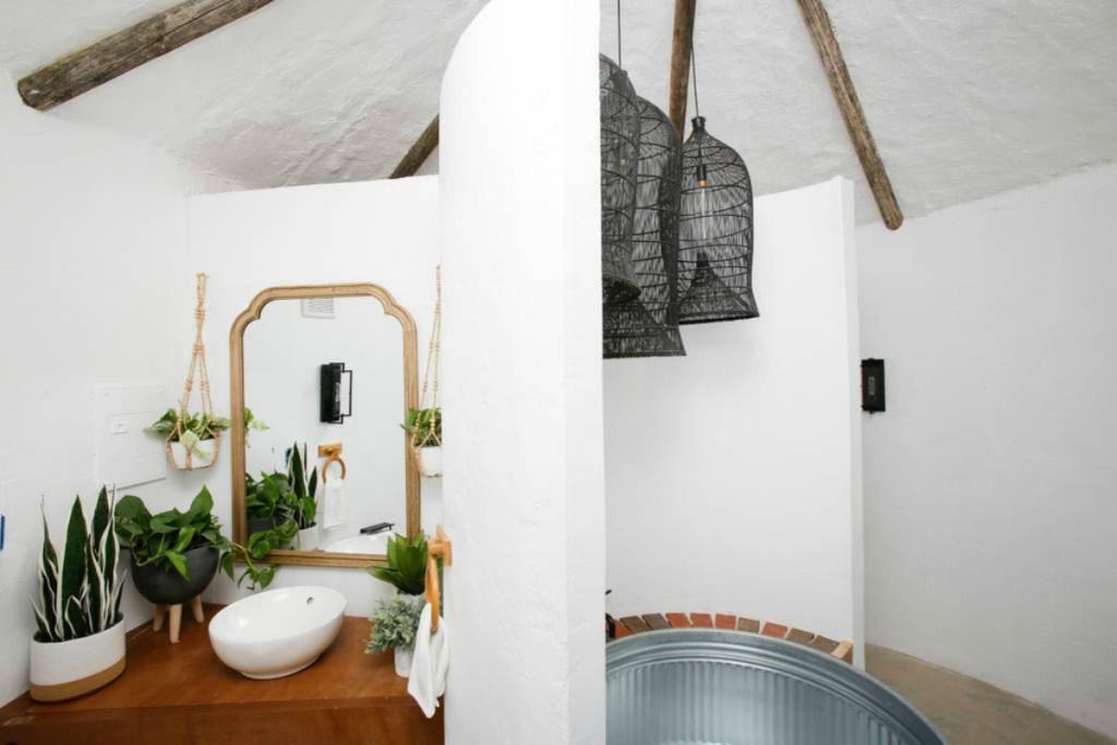 Potato bathroom with galvanized tub