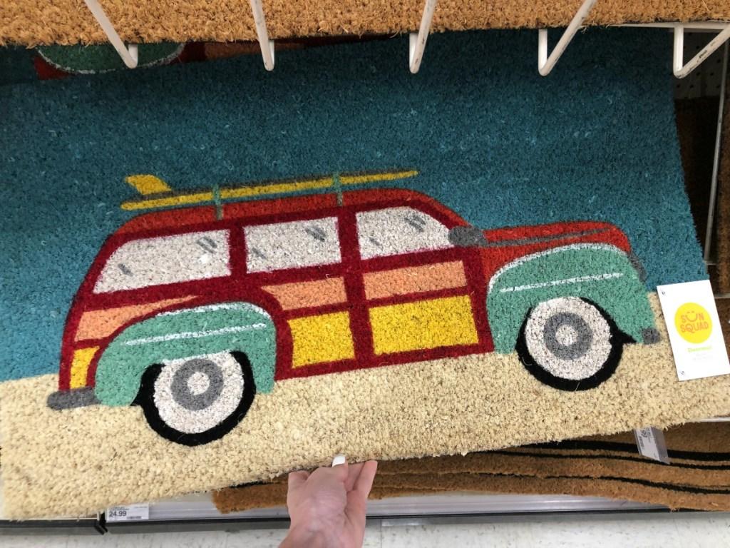 Sun Squad doormat with car