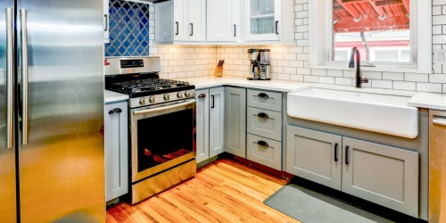 Is a Farmhouse Sink Right For You? (+ 5 Sinks We Love!)