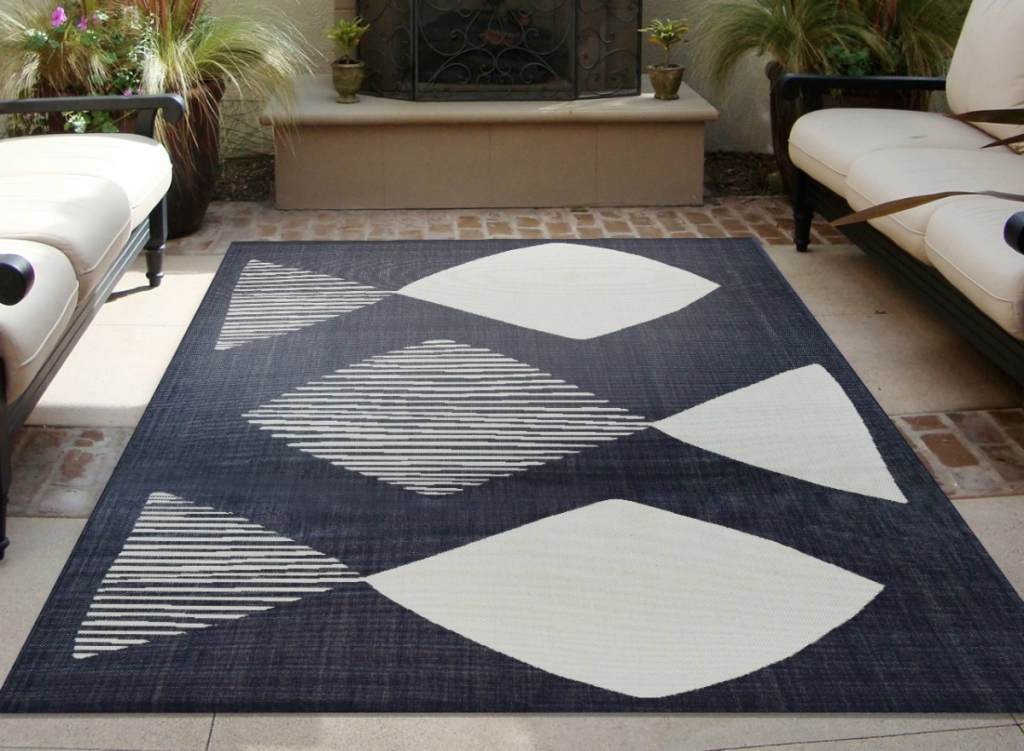 Project 62 Mod Fish Outdoor Rug - Navy
