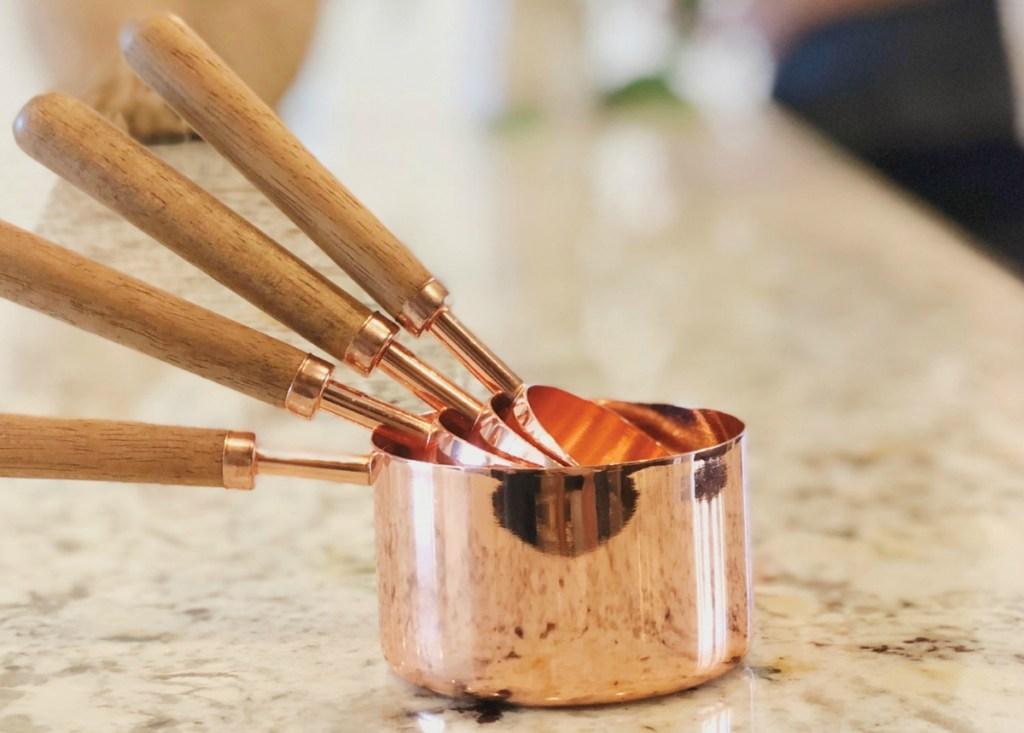 Rose Gold & Walnut Measuring Cups – Set of 4