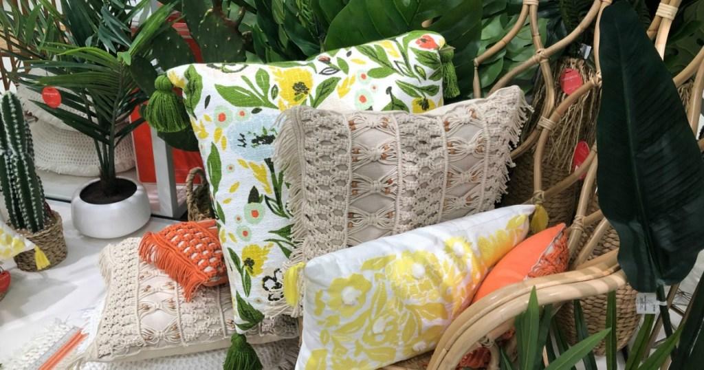 Target patio furniture and throw pillows