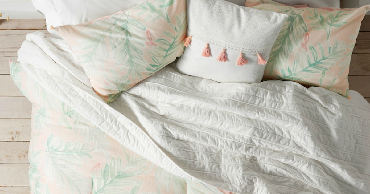 comforter with floral bed pillows