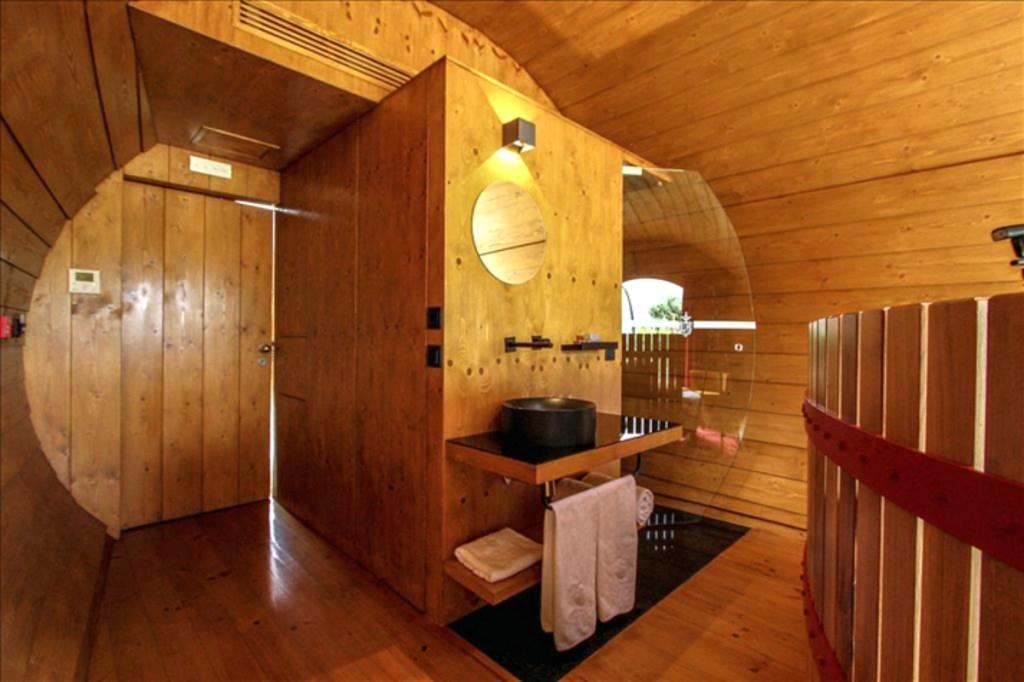 Shower area in Wine Barrel hotel in Portugal