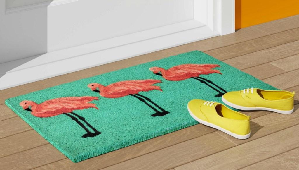 """Sun Squad 18"""" x 30"""" Flamingo Tufted Doormat"""