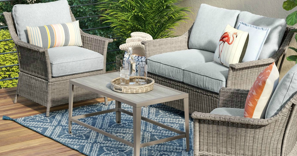 Threshold Foxborough Traditional Patio set with table and chairs