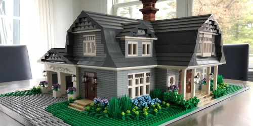 You Can Order a Mini Replica of Your Home Made From LEGOs – But It's Going to Cost Ya!