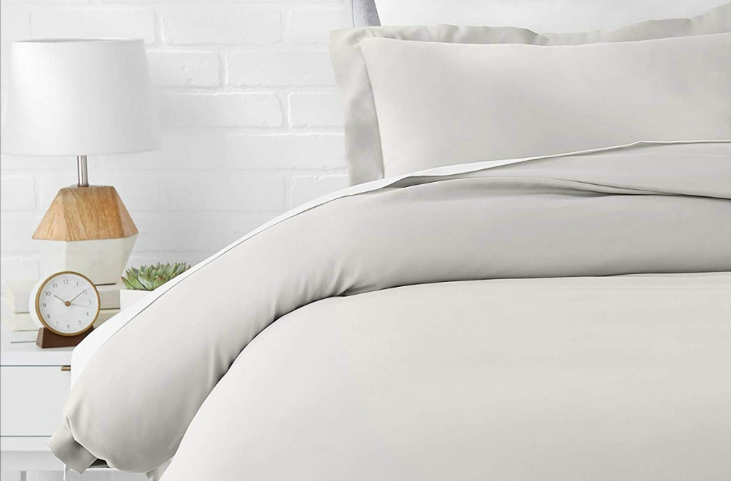 AmazonBasics Microfiber Light Grey Duvet Cover Bed Set - Twin/Twin XL