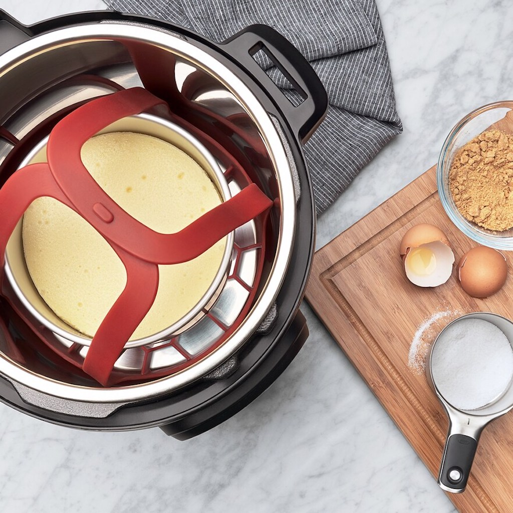 cooking cheesecake in pressure cooker with OXO bakeware sling