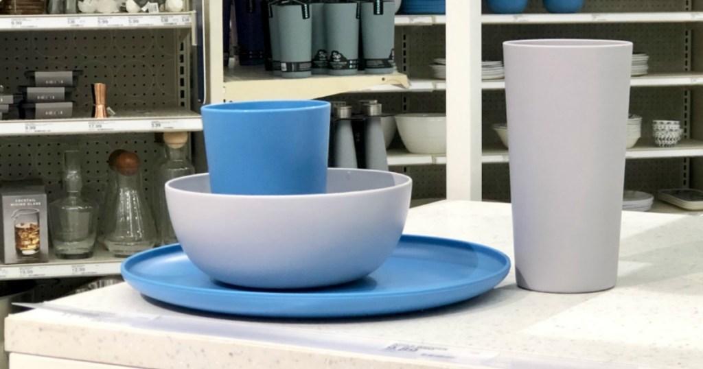 target room essentials dinnerware