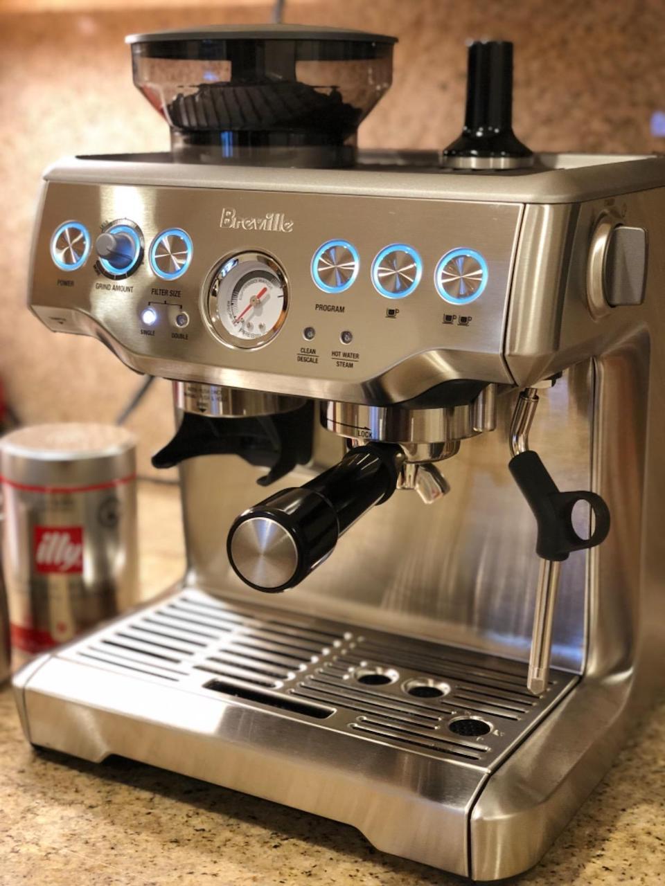 close up of breville espresso machine