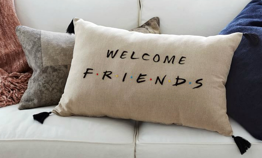 friends-welcome-pillow