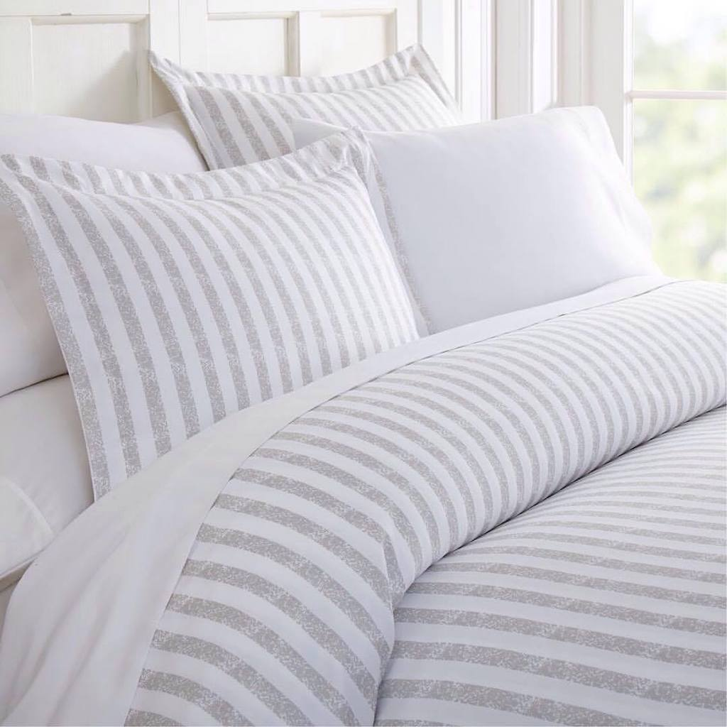 pattern striped duvet set