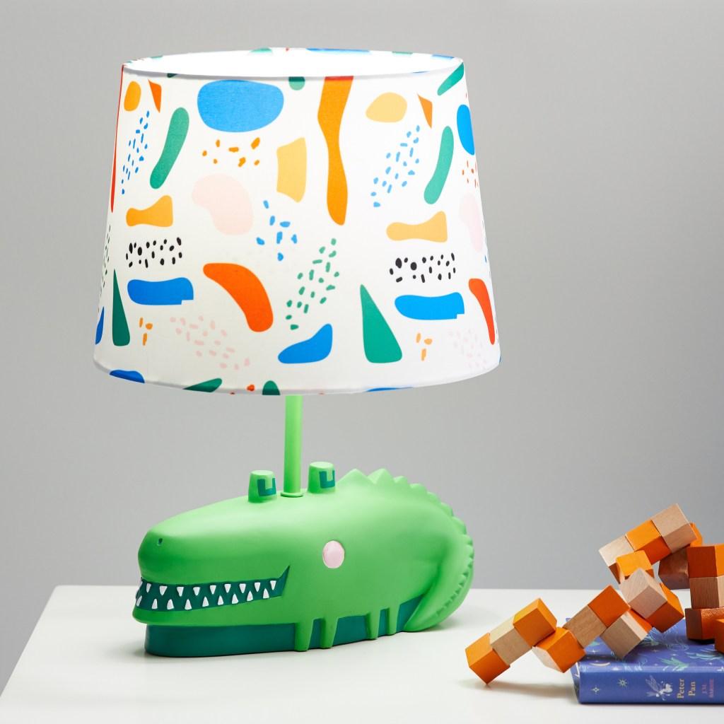 alligator lamp