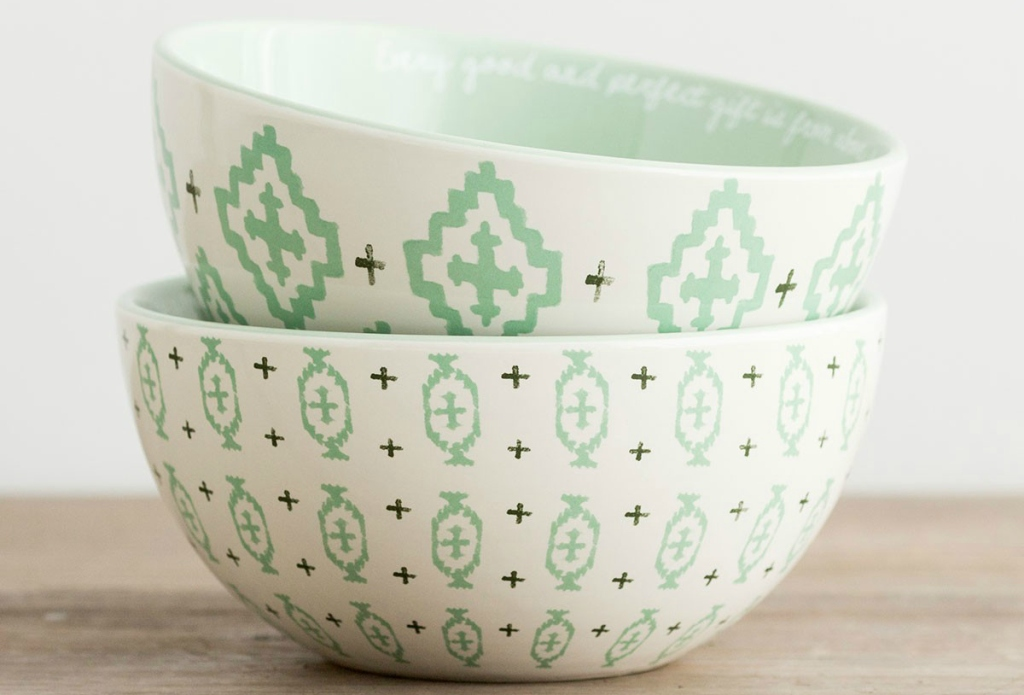 green white stacked bowls