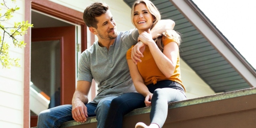 JoJo Fletcher & Jordan Rodgers Transformed a Shipping Container Into a Modern Airbnb Rental