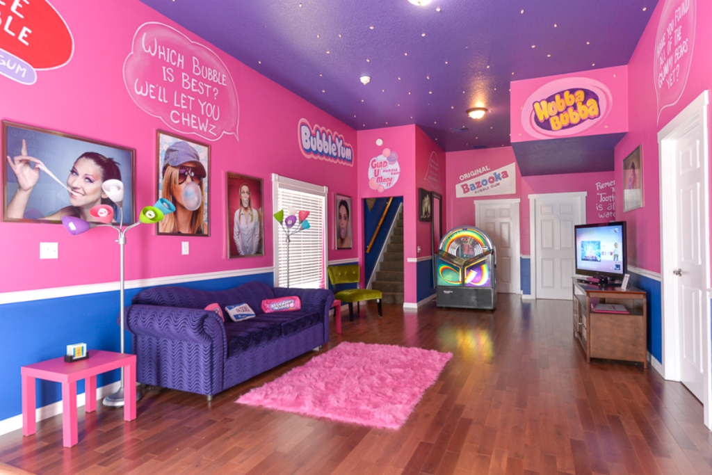 pink and purple room with gum theme