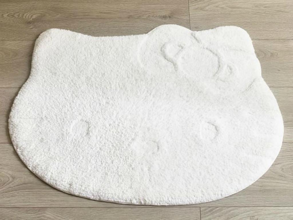 hello-kitty-bath-mat