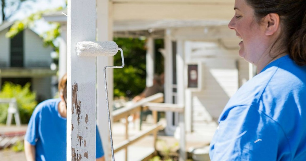 painting outdoor deck posts white